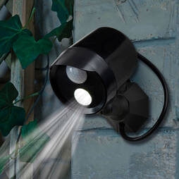 Garden Gear Battery Powered LED Spot Light with Motion Sensor