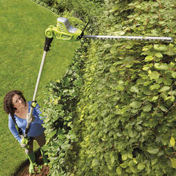 Garden Gear 20V Cordless Lithiumion Telescopic Hedge Trimmer