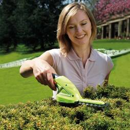 Garden Gear 3.6V Cordless Lithiumion Trimming Shears with extension handle